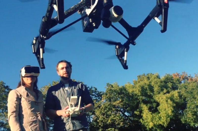 以後大家進行航拍活動時,可以一個人手持遙控器操控無人機飛行,另一人則透過穿戴在頭上的 VR 眼鏡,調控航拍鏡頭的拍攝方向。
