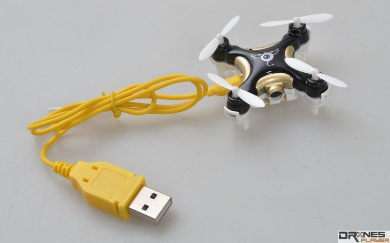 Cheerson CX-10C使用專用 USB 線充電。