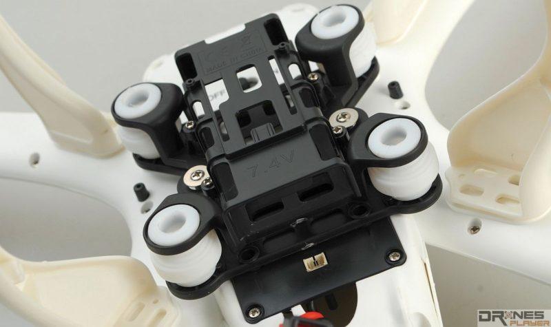 MJX X101的雲台設減震球,可減低飛行期間機體震盪對航拍畫面的影響。