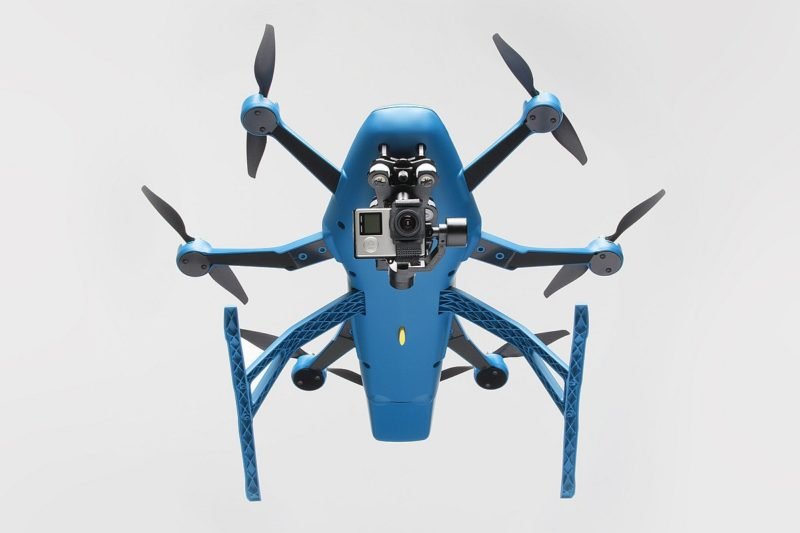 HEXO+ 無人機可配搭 GoPro 運動相機進行航拍。