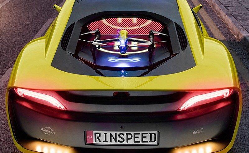Rinspeed Σtos 車後的引擎蓋是航拍機的專屬停機坪。