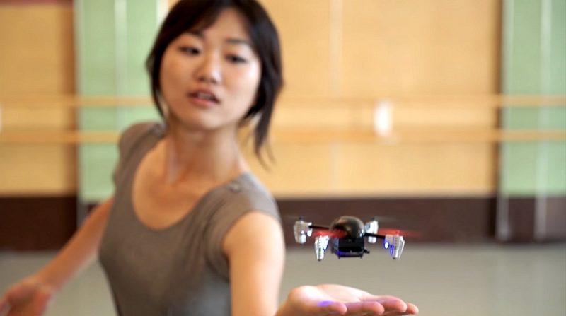 Micro Drone 3.0 機身小巧,只有手掌般的大小。