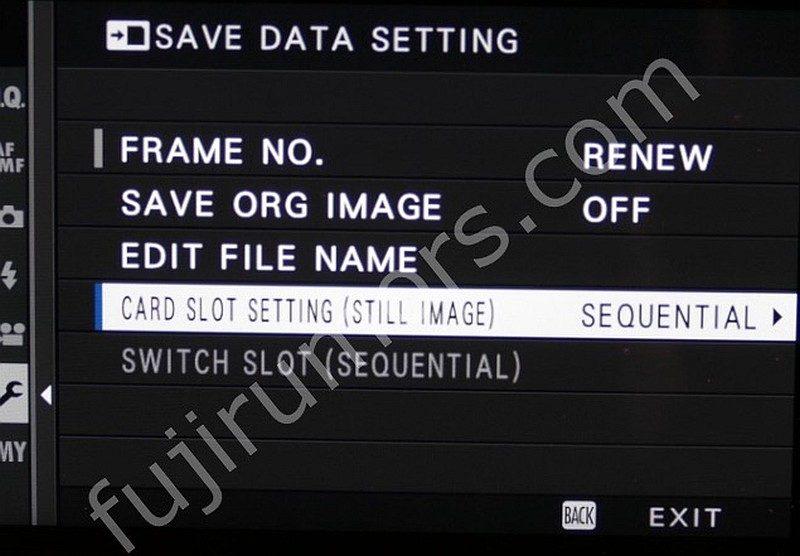 Fujifilm X-Pro 2 的「SAVE DATA SETTING」選單中,有「SWITCH SLOT」選項,意味著它起碼可插入兩張記憶卡。