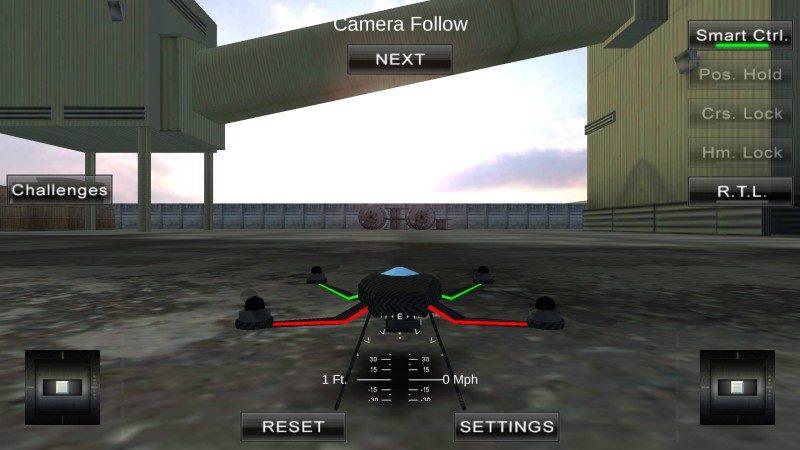 《Quadcopter FX Simulator》介面下方分設左右操控杆,並提供升空高度、風速資料及其他操作選項,布局精細。