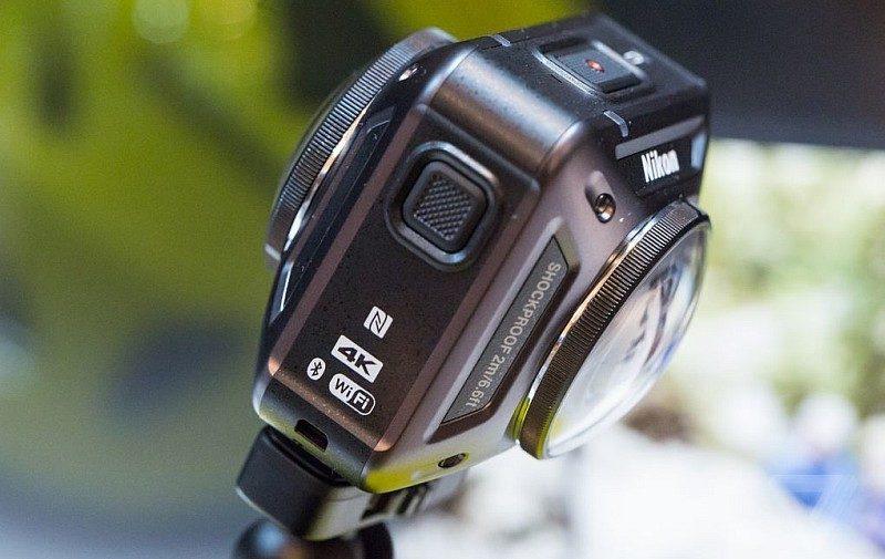 Nikon Keymission 360 運動相機機身前後各設有一個半球體鏡頭。