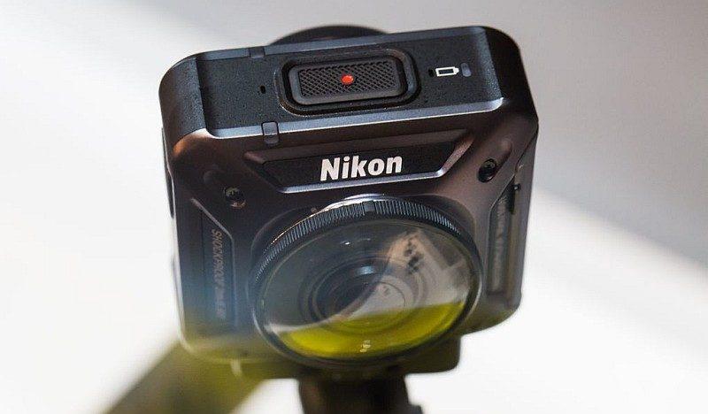 Nikon Keymission 360 運動相機機頂設有錄影按鍵。