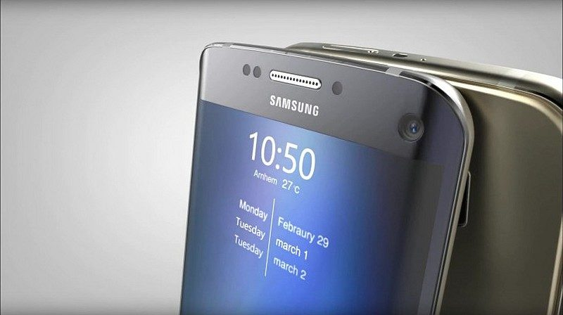 Galaxy S7 系列的「自拍閃光燈功能」,可藉由加光屏幕進行打燈,讓用戶在昏暗環境下也可進行自拍。