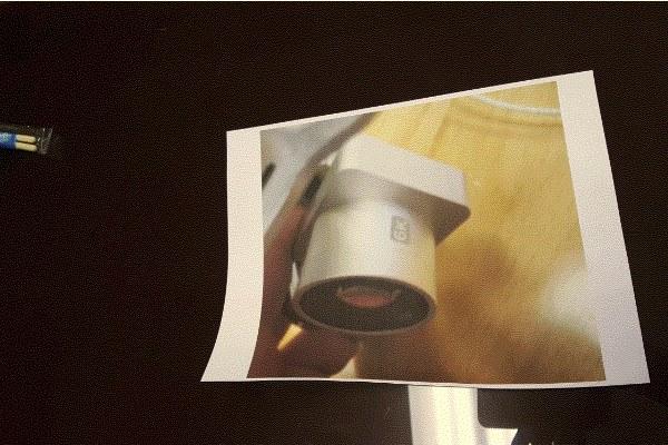 疑似 DJI Phantom 4 的 6K 鏡頭的照片的照片