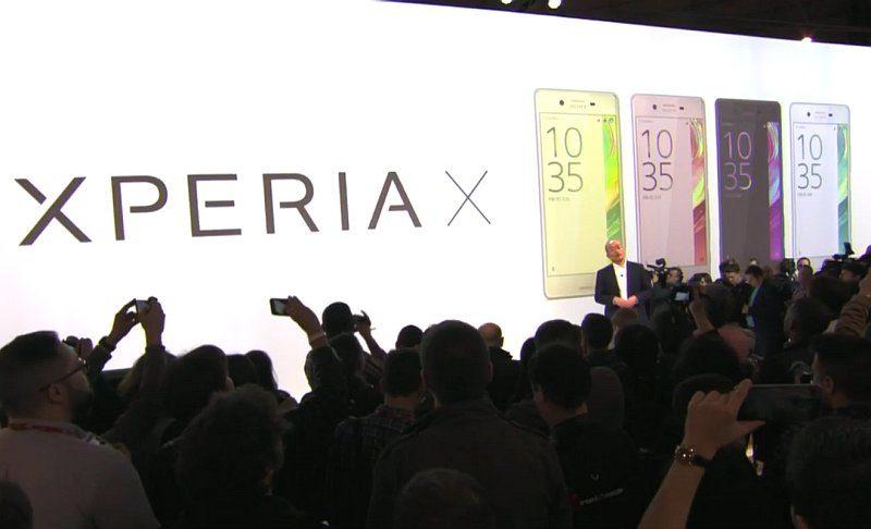 Sony 於 MWC 2016 上發表 Xperia X 智能手機。