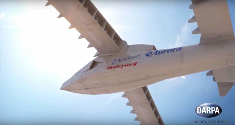 LightingStrike 飛行時機翼呈水平狀態,以增加飛行速度。