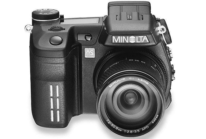 第一部備有機身防震的相機是 2003 年面世的 Minolta DiMAGE A1。