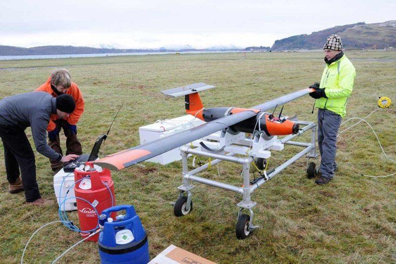 固體氫電池無人機的原型機採用定翼式設計,有助減省電力消耗。