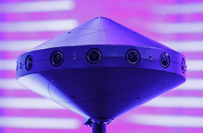 Facebook Surround 360 camera 外形有如 UFO 飛碟。