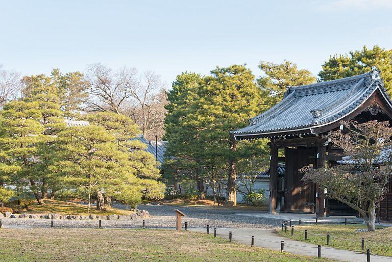 京都御苑內有不少皇親貴戚的故居。