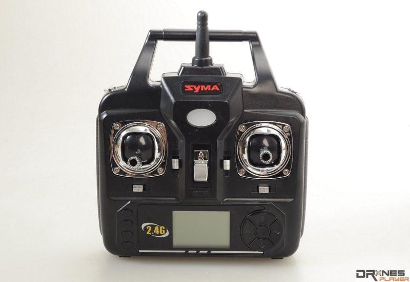 Syma X9 遙控器設計極盡簡化。