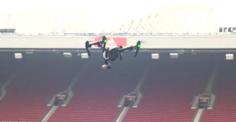 無人機在曼聯主場示範如何探測地雷。