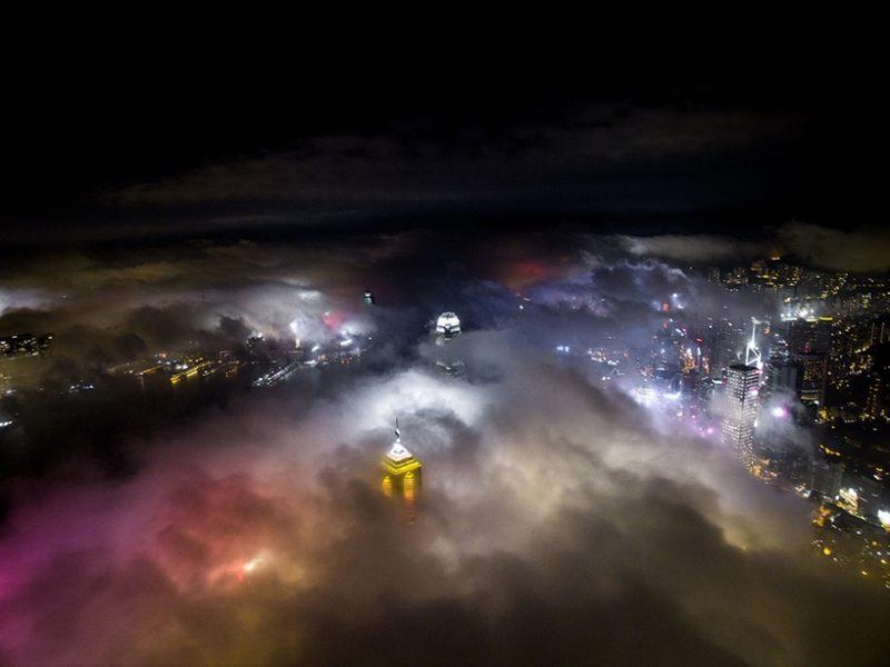 Andy Yeung 航拍作品系列《Urban Fog》之三。(圖片來源:Andy Yeung Photography)
