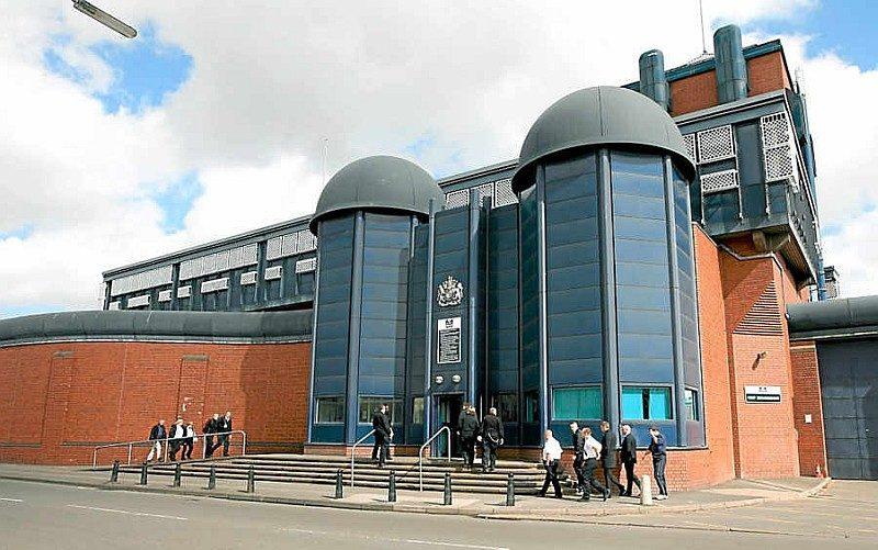 英國伯明翰皇家監獄曾監禁著謀殺 12 名女生的連環殺人犯 Fred West。
