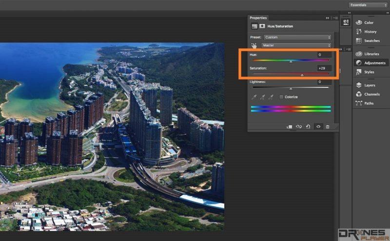 除了調節對比度外,大家亦可利用 Adjustment 介面上的 [Hue / Saturation] ,把 Saturation 對飽和度數值加大,這可有效加強影像色彩濃度。