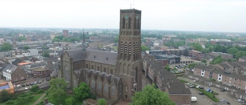 空拍機 撞機 荷蘭 教堂