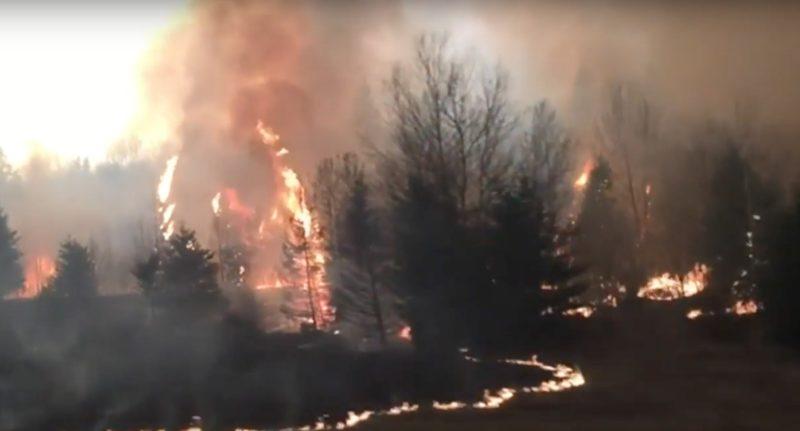 加拿大山火一發不可收拾,當局出動空拍機尋找源頭。