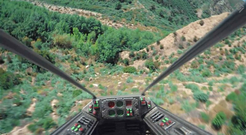 鏡頭裝設在駕駛艙內,增加臨場感。
