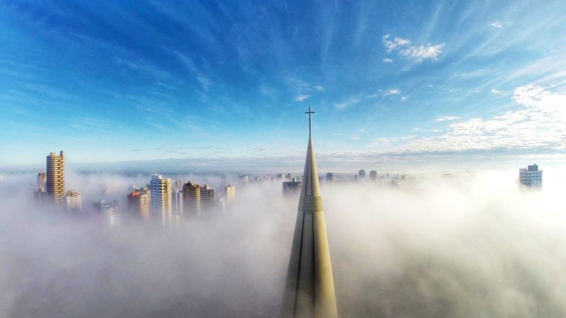 International Drone Photography Contest 2015 冠軍作品 Ricardo Matiello《Above the Mist》