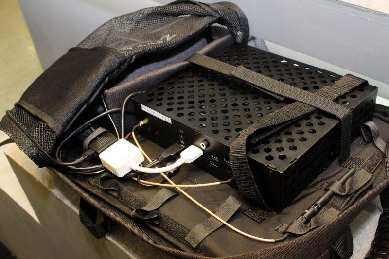 打開可以看到 Zotac 背包 PC 目前還是原型機。