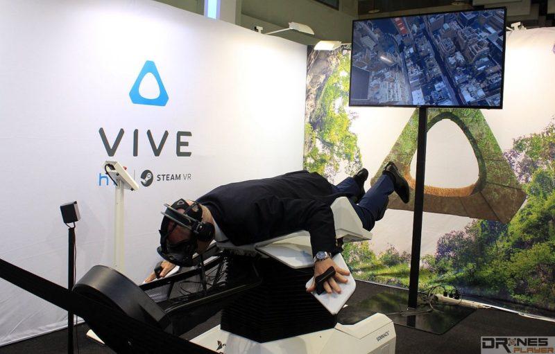 HTC Vive 所支援的《Birdly》遊戲,可讓玩家體驗鳥兒飛行的視角。