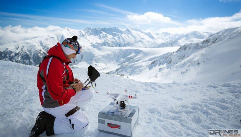 如把空拍機帶到低溫地區使用,宜多花一點時間讓電池「熱身」。