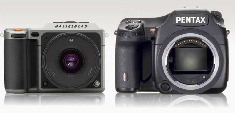 Hasselblad X1D(圖左)僅重 725 克,比 Pentax 645Z (圖右)還要輕巧得多。