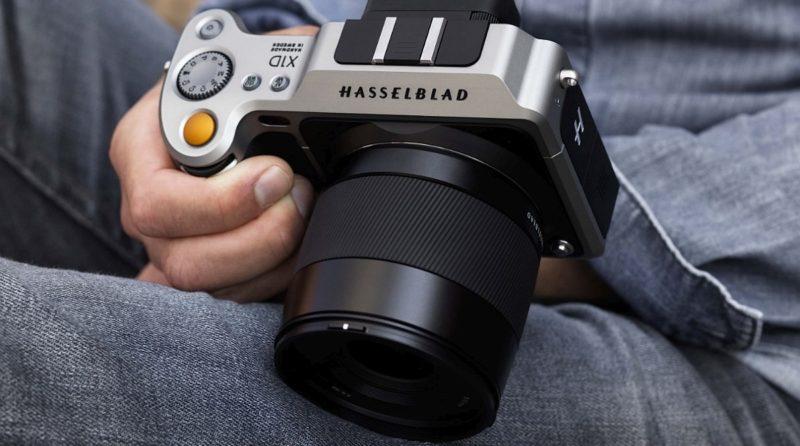 Hasselblad X1D 機身體積卻仍算小巧,尺寸只有 150 x 98 x 71 毫米。