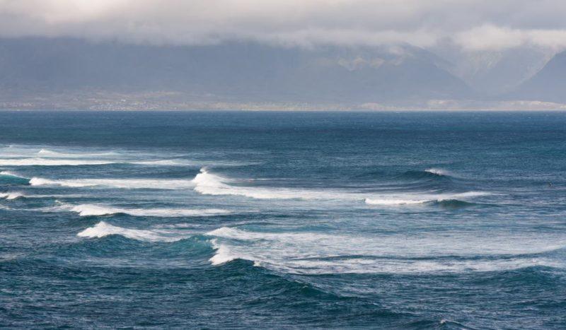 大海白頭浪