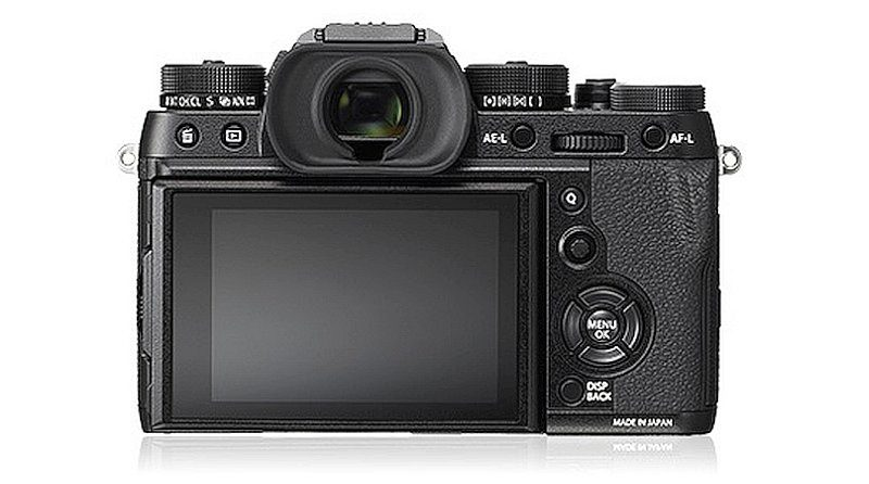 Fujifilm X-T2 機背屏幕可支援垂直上揭,即使以直度拍攝,也可低角度取景。