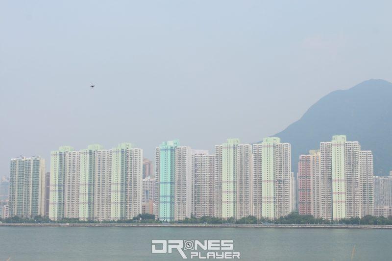 Ghost Drone 2.0 最遠圖傳距離為 1 公里。