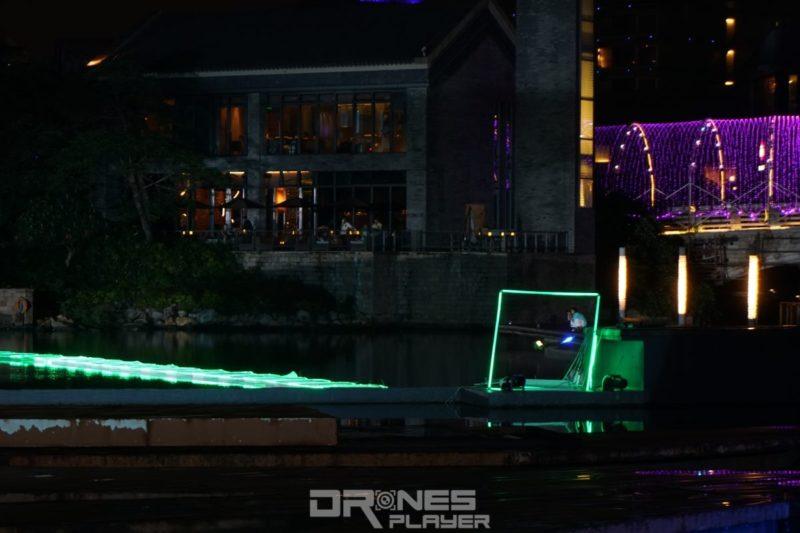 D1 無人機亞洲盃:2 部無人機穿過閘門