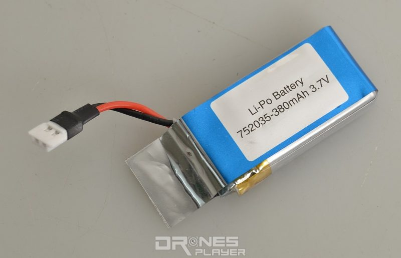 MJX X916H 採用 3.7V / 380mAh 容量的充電池。