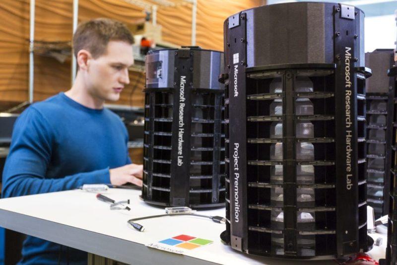 Microsoft Project Premonition 的智能捕蚊器(圖片來源:Brian Smale/微軟)