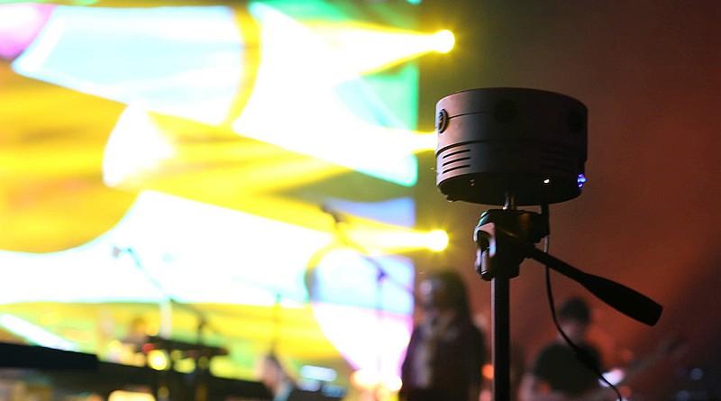 XONE VR 攝影機由六支鏡頭所組成,能夠攝錄 6K 全景圖像,適用於演唱會、新聞直播等場合使用。