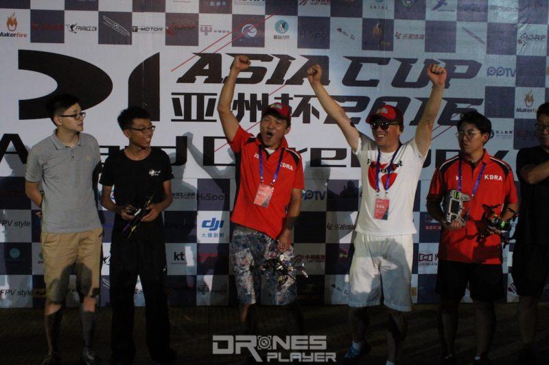 韓國冠軍飛手 Alex Song、深圳亞軍飛手李坤煌和韓國季軍飛手 Son Young-rok(由右至左)。
