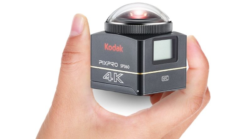 Kodak PIXPRO SP360 4K 相機具備特殊設計的仰角鏡頭,能夠同時拍攝 360 度環景和 235 度仰角的半球體全景照片。