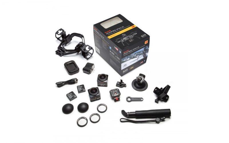 Kodak PIXPRO SP360 4K 空中套裝包括兩部 SP360 4K 相機、兩個攝錄機轉換殼、雙攝錄機支架、自拍捧、吸盤支架、遙控器。