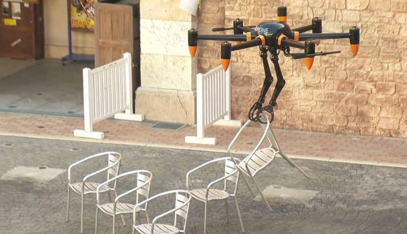 Prodrone PD6B-AW-ARM 用機械臂搬動椅子