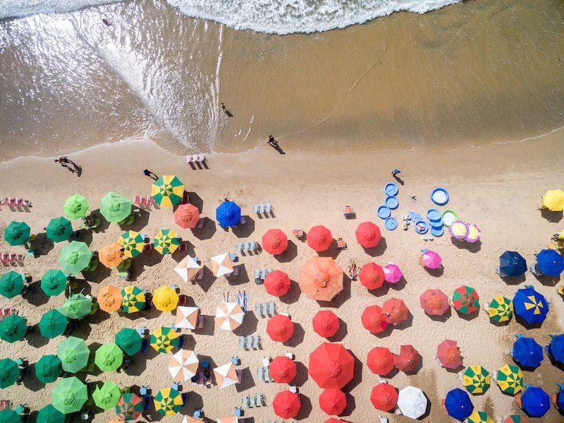 在澳洲新例下,無人機不得在人群 30 米範圍內飛行。