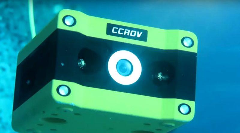 CCROV 水中無人機的機身正面中央位置裝設了 4K 級的航拍相機。