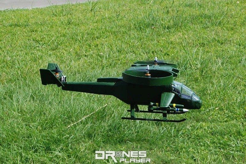 周坤德之前製作的阿凡達 AT-99 直升機,也是三軸結構。