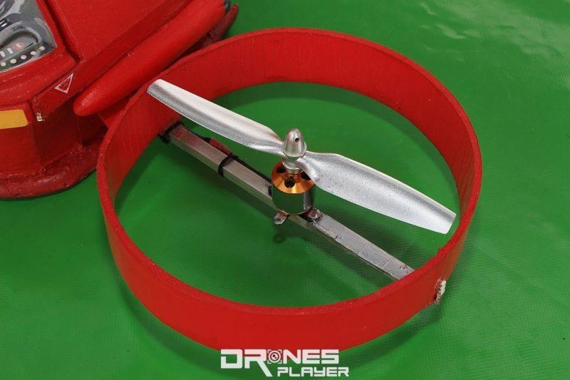 螺旋槳的外圈用珍珠板加壓塑造出圓形。