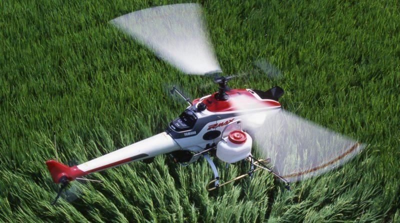上一代的 Yahama RMAX 系列無人機早已廣泛應用於農業運作上。