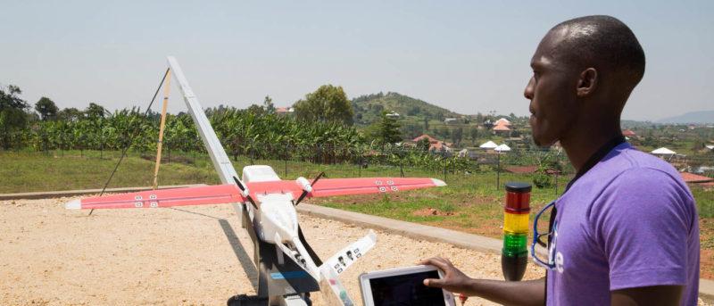 首個商業無人機送貨個案:Zipline 與盧旺達