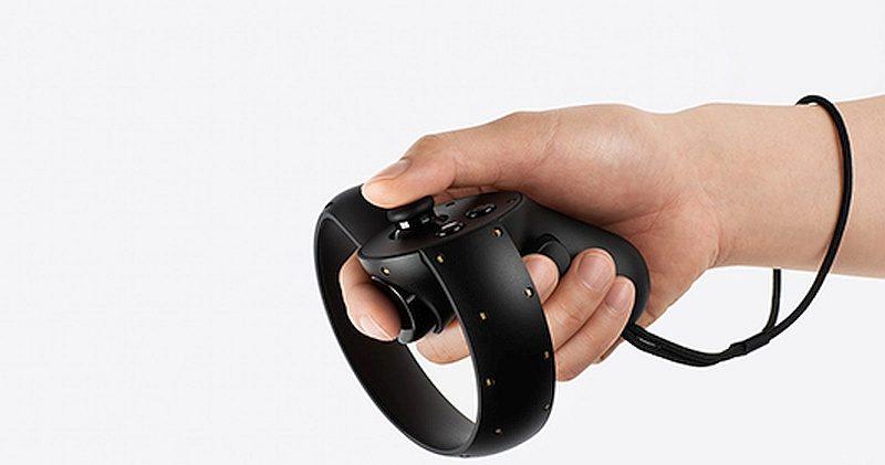 圖中是 Facebook 旗下的 Oculus Touch 控制器,大家認為跟諜照中的 HTC Vive Controllers 原型機相似嗎?
